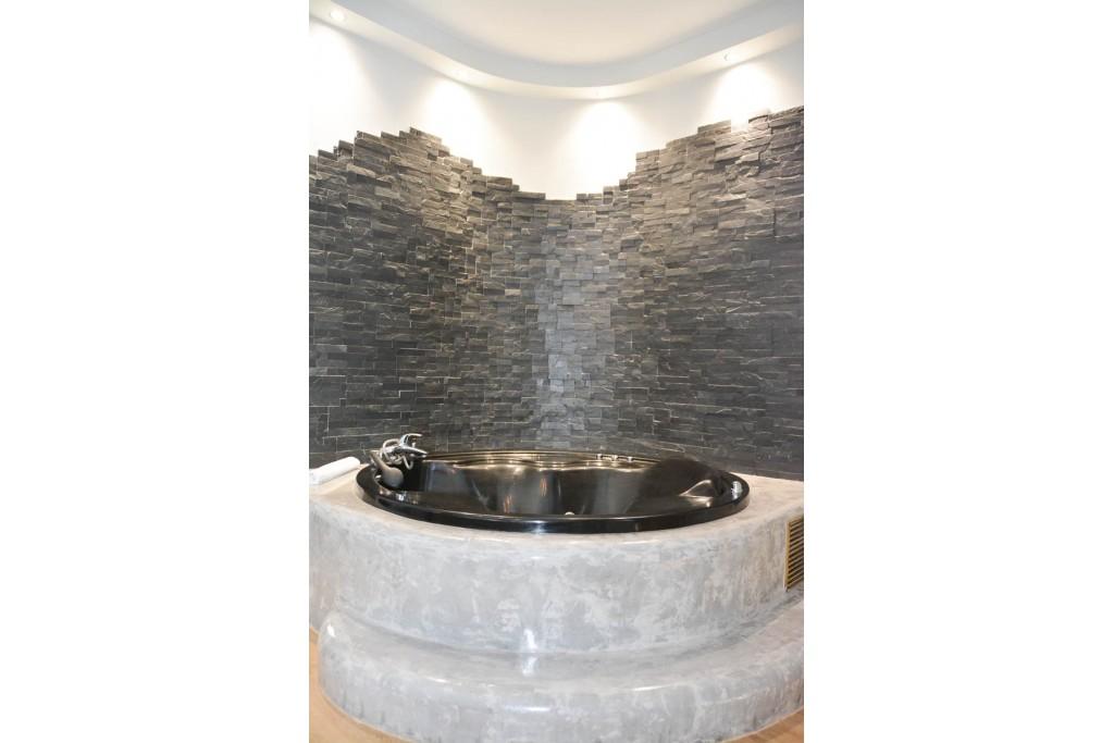 Junior Σουίτα με υδρομασάζ 24 Junior Hot Tub Suites