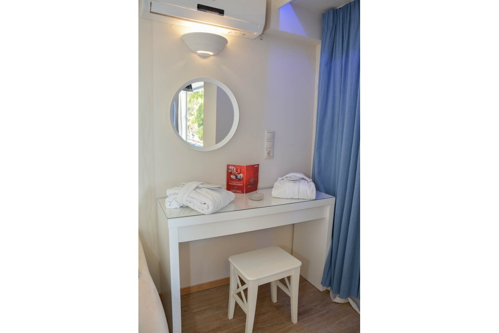 Junior Σουίτα με υδρομασάζ 6 Junior Hot Tub Suites
