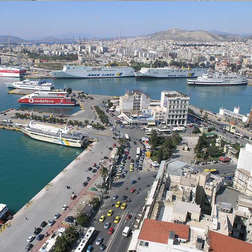 1 Km από το λιμάνι του Πειραιά